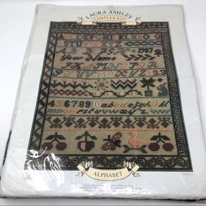 🆕 LAURA ASHLEY sampler needlepoint kit